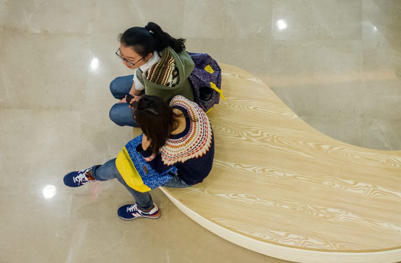 Girls-at-Mall