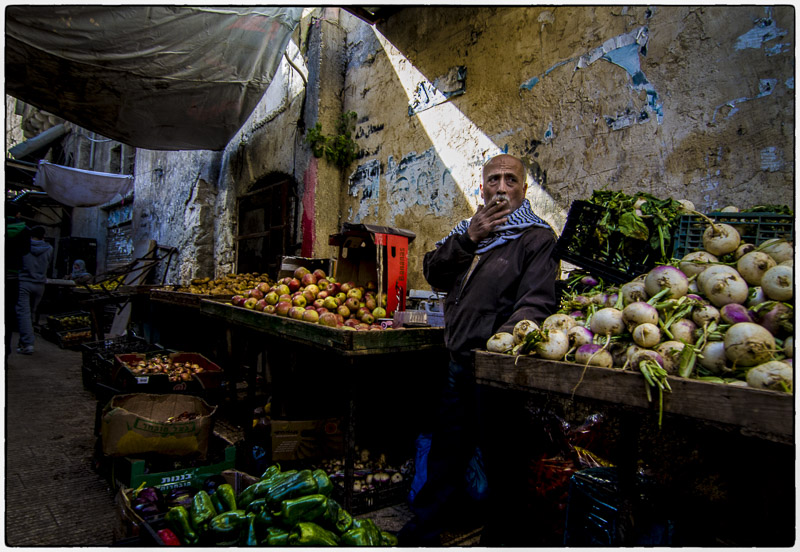 Nablus-Selling in the Suq