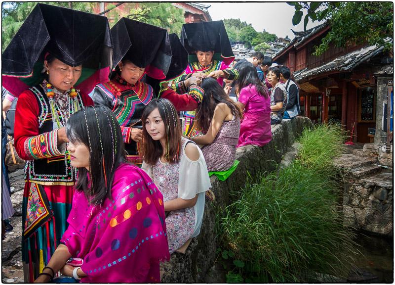 Lijiang Braiding Ladies
