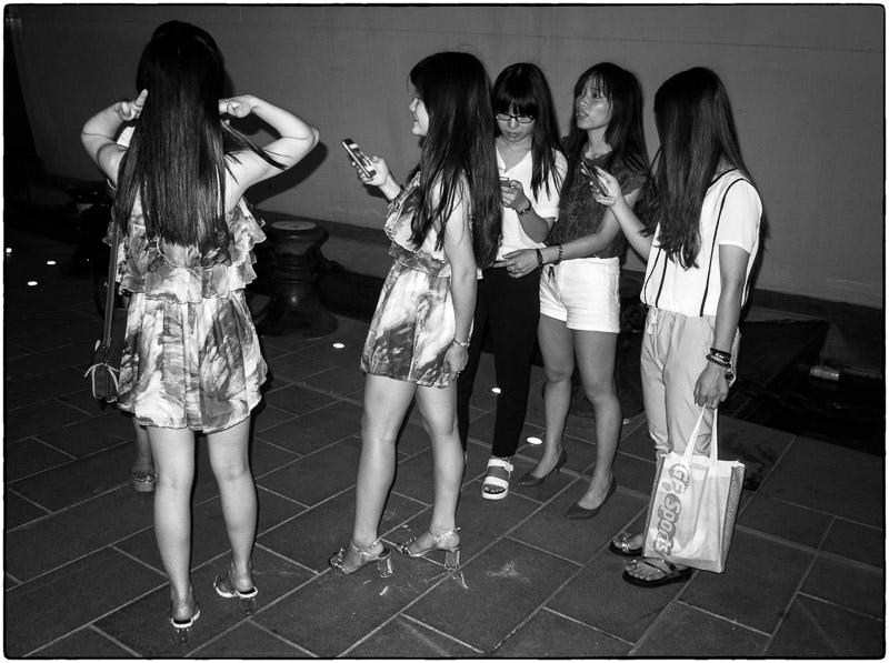 Phone Girls-2