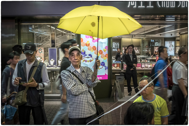 HK Waiting for Democracy to Reign