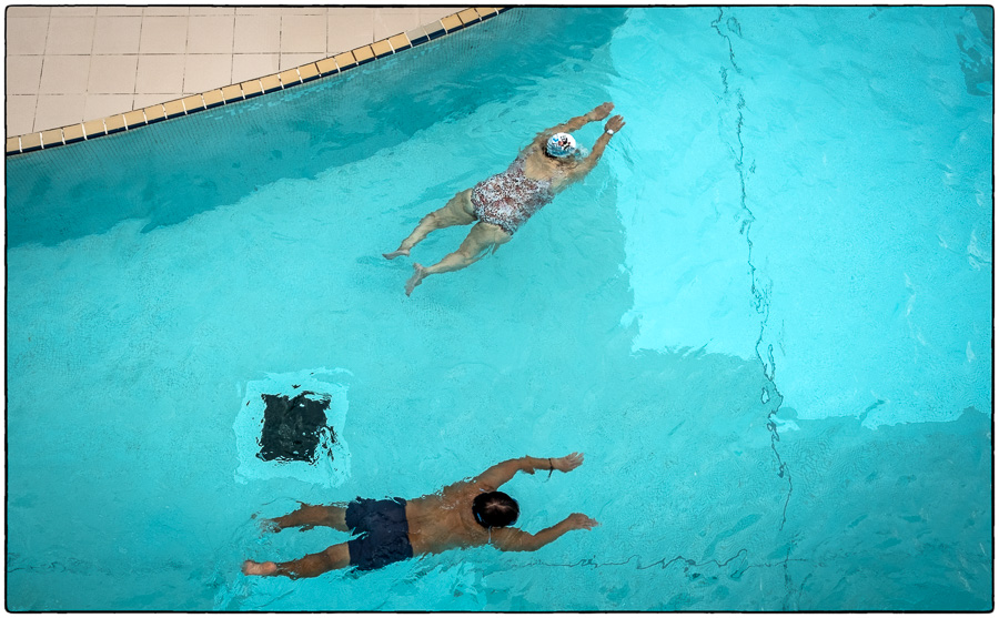 hong-kong-swimmers